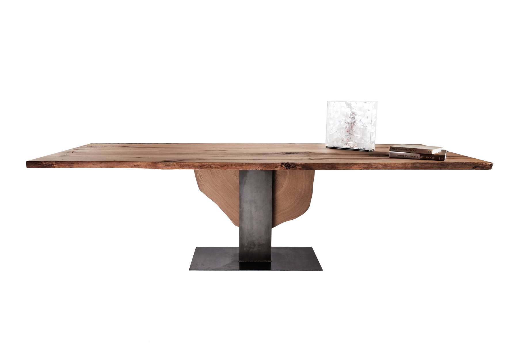 """incontro"" table product"