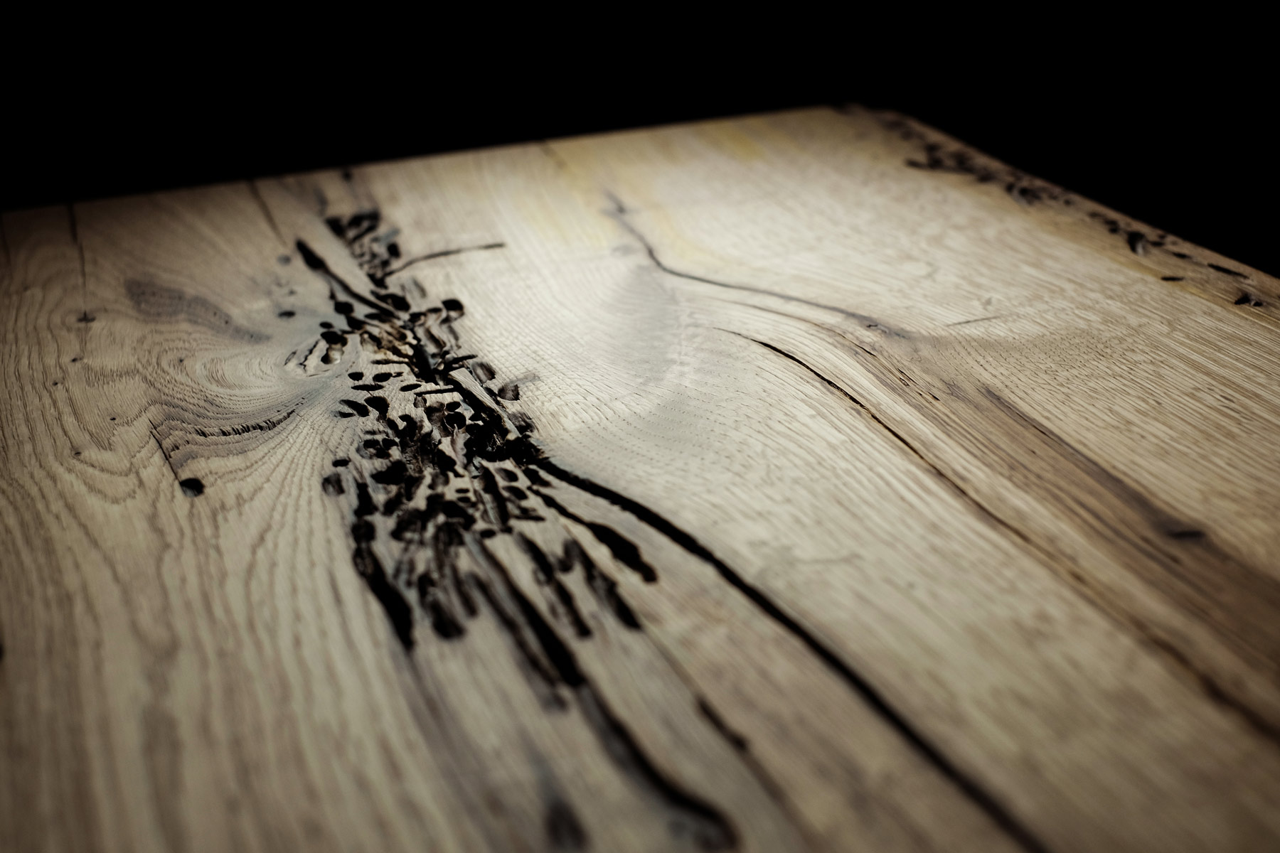 "briccole wood ""incontro"" table detail"